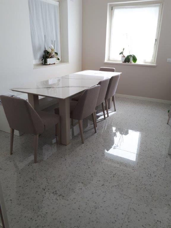 Fornitura e posa in opera per rinnovo cucina edildazzi for Posa alzatina cucina